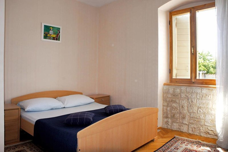 Bedroom 3, Surface: 12 m²