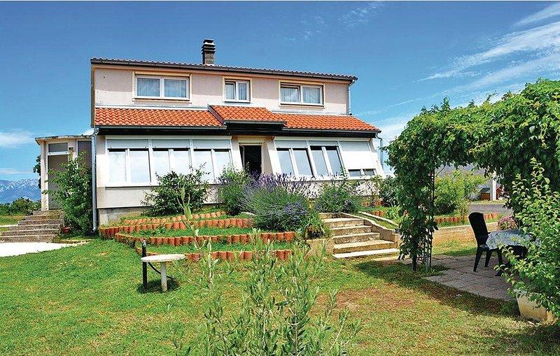 Three bedroom house Posedarje, Novigrad (K-15785), location de vacances à Suhovare