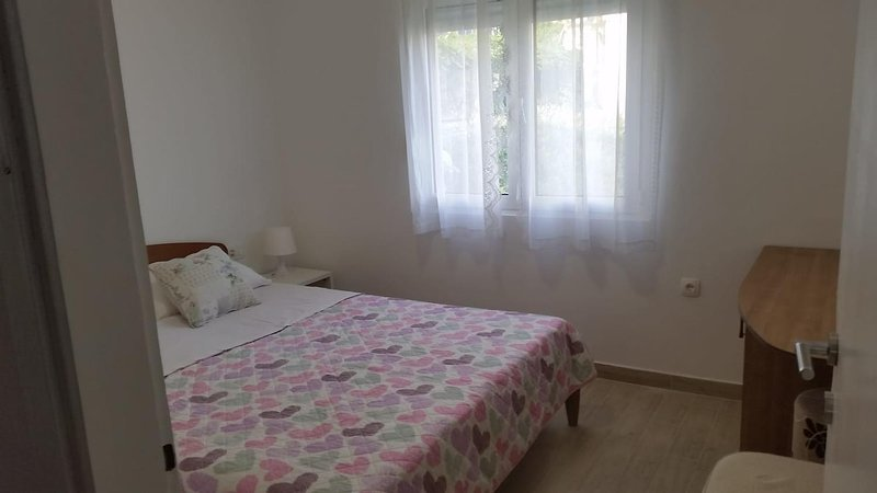 Bedroom 2, Surface: 11 m²