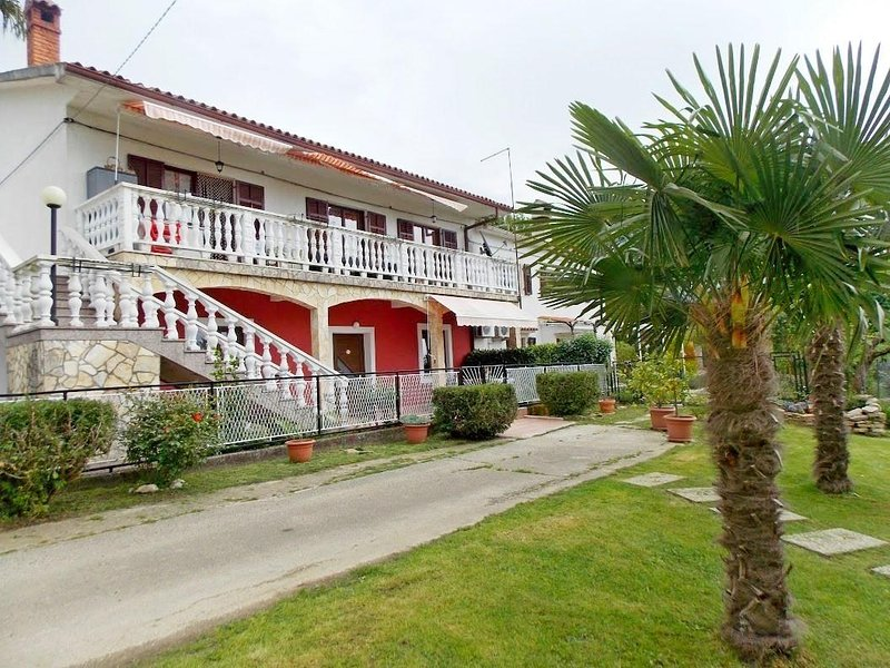 One bedroom apartment Čepić, Central Istria - Središnja Istra (A-15878-a), location de vacances à Krbune