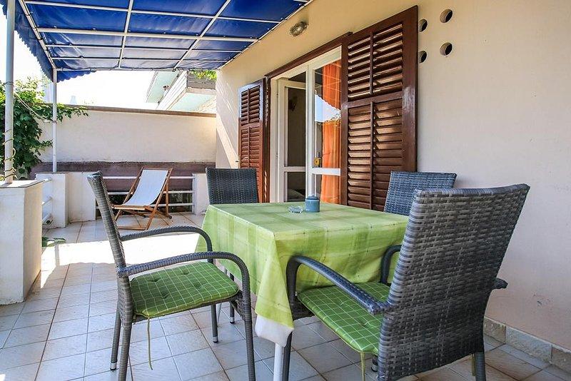 Trpanj Apartment Sleeps 4 with Air Con - 5651233, alquiler vacacional en Trpanj