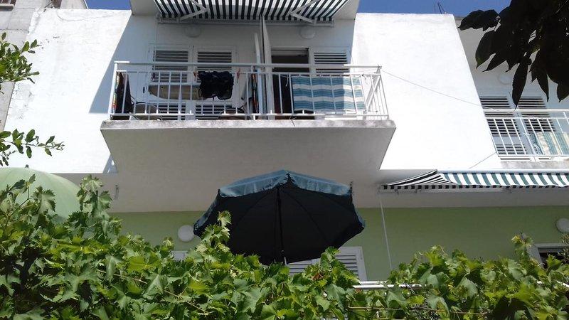 Studio flat Tučepi, Makarska (AS-16037-b), vacation rental in Tucepi