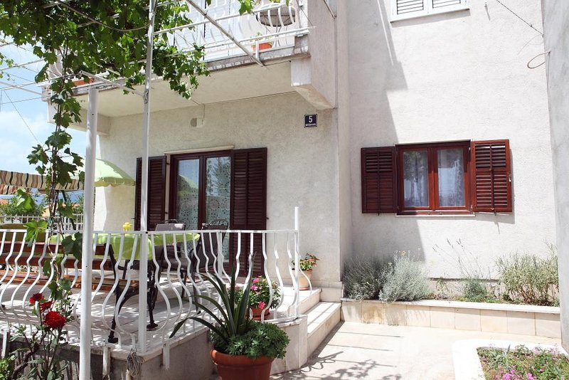 One bedroom apartment Solin, Split (A-16067-a), holiday rental in Vranjic