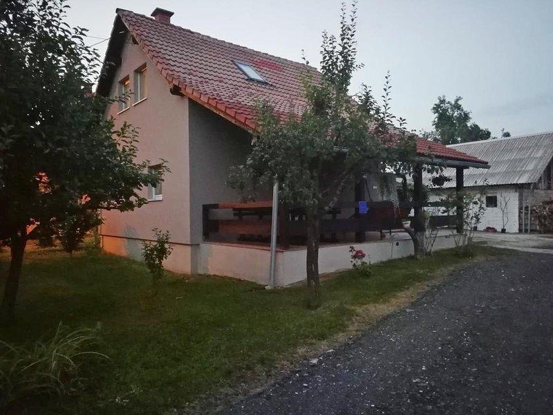 One bedroom apartment Oštarski Stanovi, Plitvice (A-16071-a), location de vacances à Ostarski Stanovi