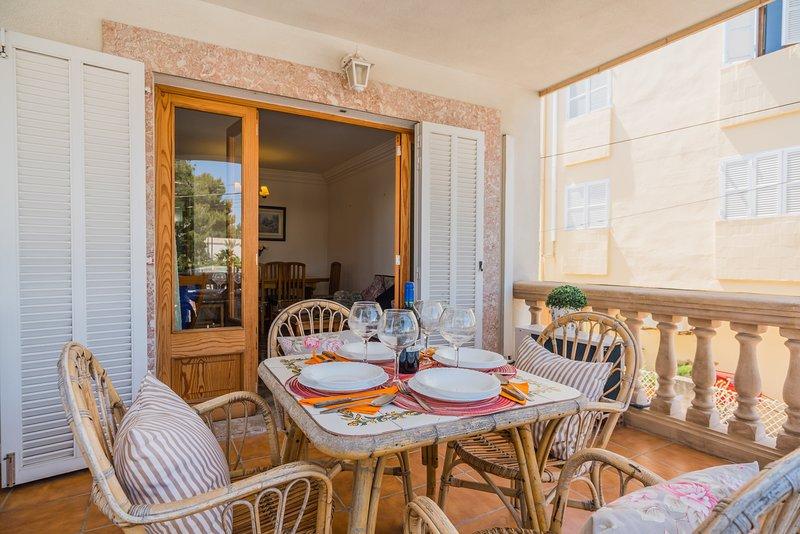 Bonito apartamento Duplex a 50m de la playa, location de vacances à Playa de Muro