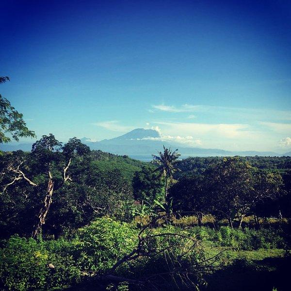 Vista de la piscina del Monte Agung