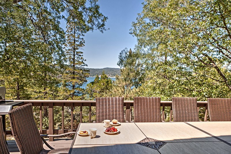 Savor your breakfast out on the deck as you gaze out over the lake.