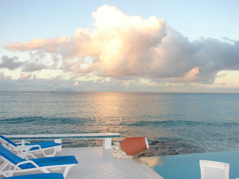 Caribbean Blue, beach front vacation rental in Pelican Key, St Maarten