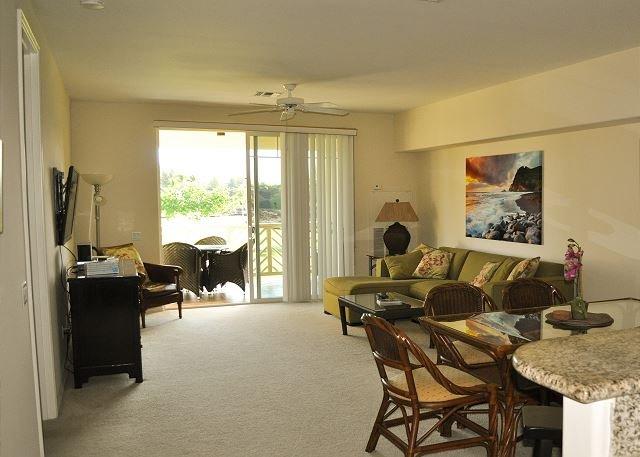 2 Bedroom 2 Bath Villa with Golf Views!!