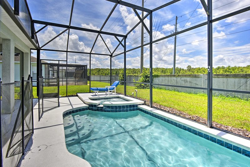 Gather a group of 12 to stay at this Kissimmee vacation rental villa!