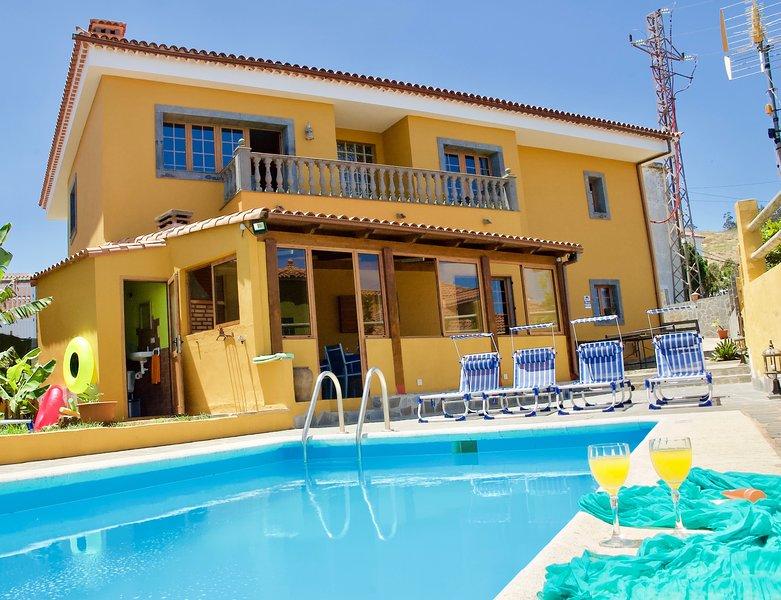 bonita casa vacacional con piscina privada a solo 8km de