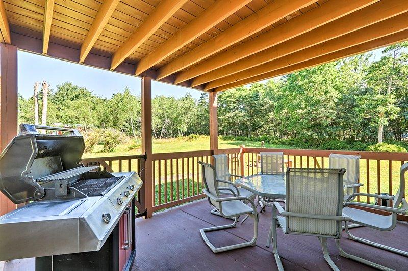 'SandAmb' possui uma churrasqueira a gás, deck e acesso a fantásticas comodidades no local.
