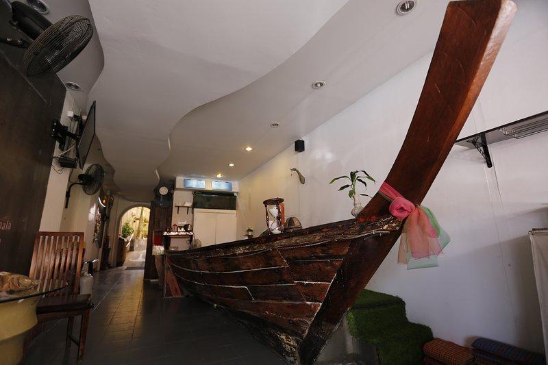 Decora la barca a coda lunga