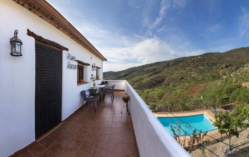 casa romantica para 2 o 4 personas con jacuzzi, holiday rental in Bacares
