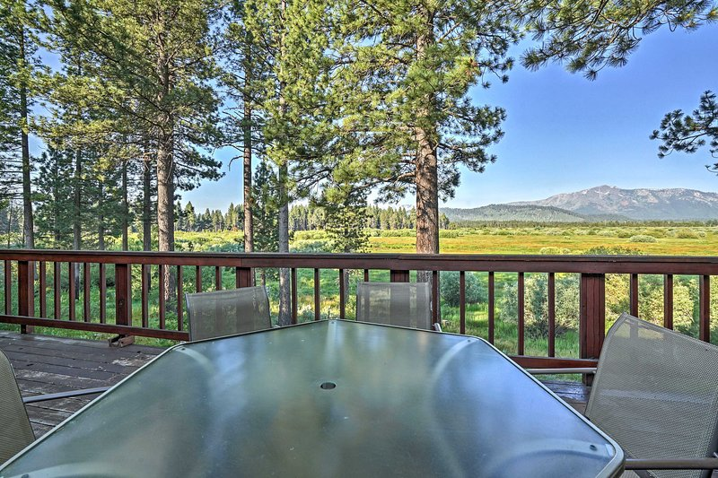 Relax with fantastic mountain views throughout your stay!