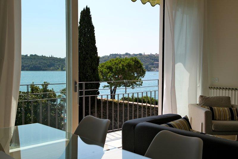 Luxury Lake View Apartments, holiday rental in Barbarano di Salo