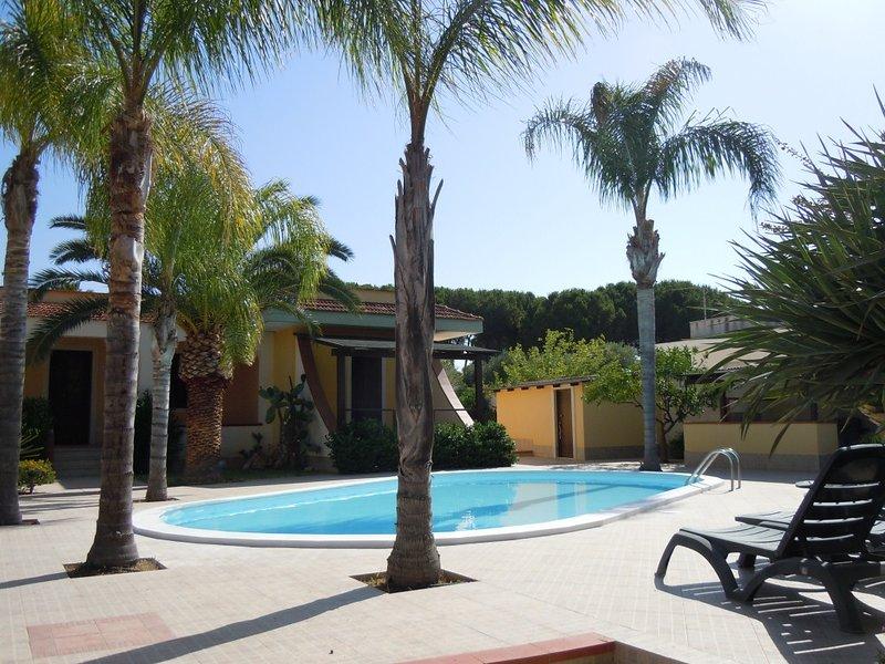 Casa Delfino con piscina vicino al mare, holiday rental in Arenella