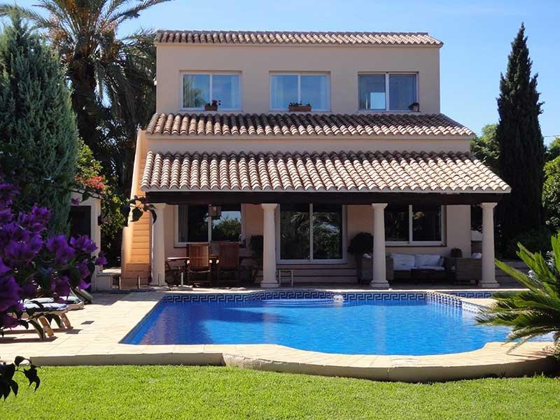 Villa la Golondrina, de particular, de lujo, 2000m2 jardin con piscina, aire, vacation rental in Denia