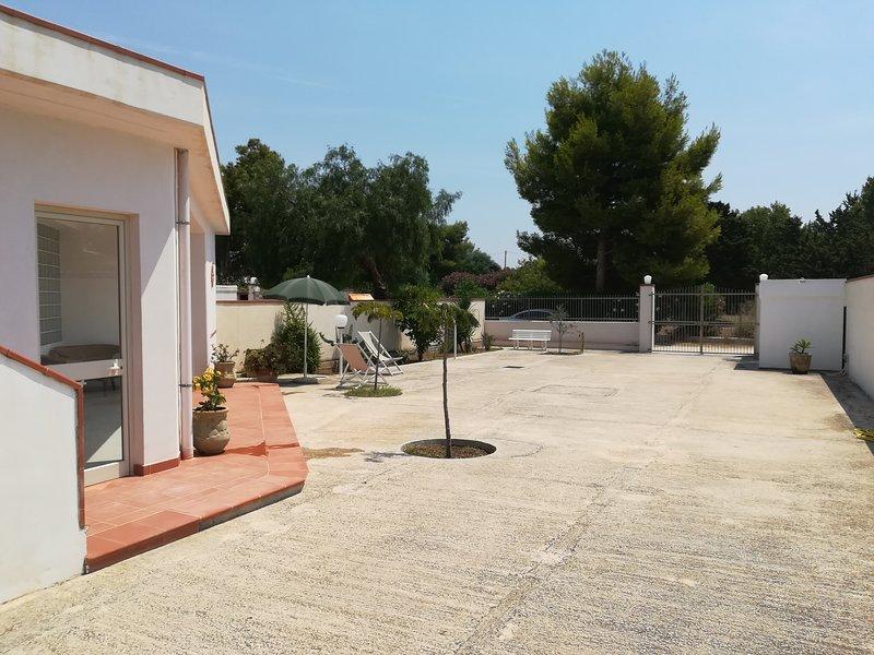 Villetta con sentiero privato sul mare., alquiler de vacaciones en Menfi
