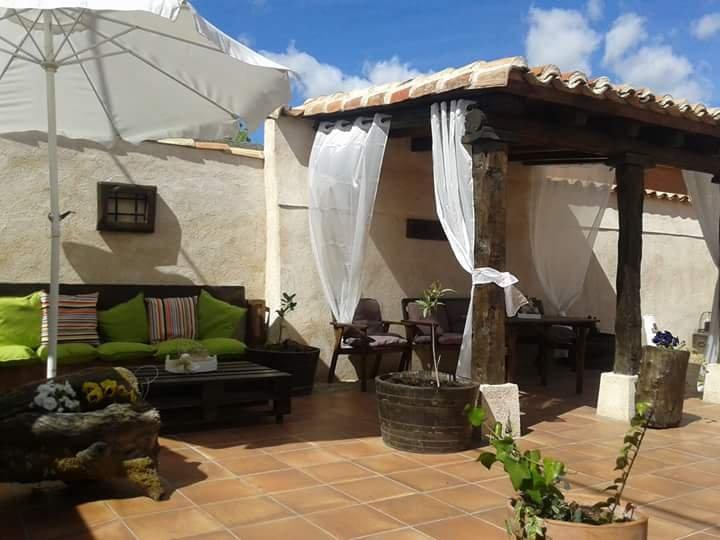 Casa Rural Pinar de las Cabañuelas, holiday rental in La Cisterniga