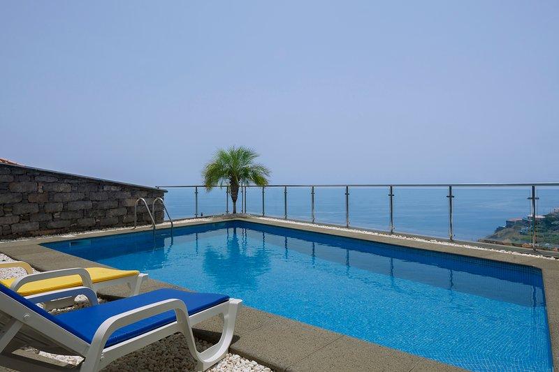 Villa Camacho XVII - Stunning sea view, holiday rental in Ribeira Brava