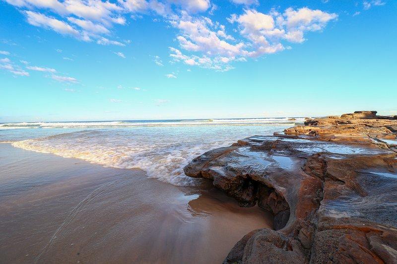 Kove at Caves Beach - beach, pool access, alquiler de vacaciones en Lake Macquarie