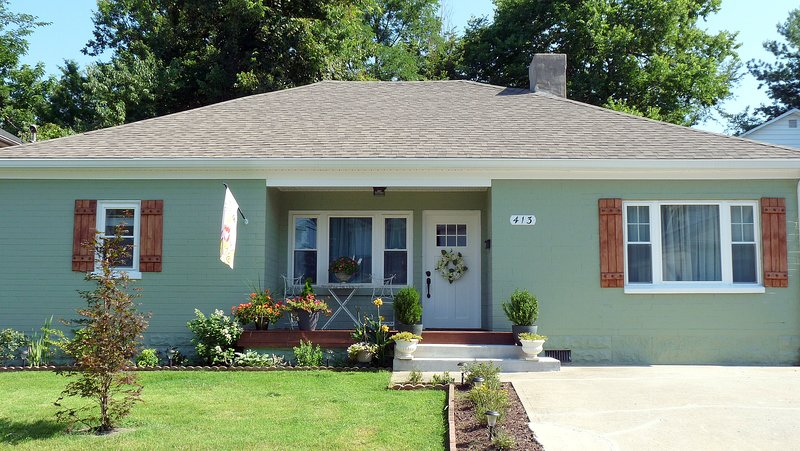 Cozy Cottage, Walk to Centre College, Ideal Hub for Bourbon Trail, holiday rental in Middleburg