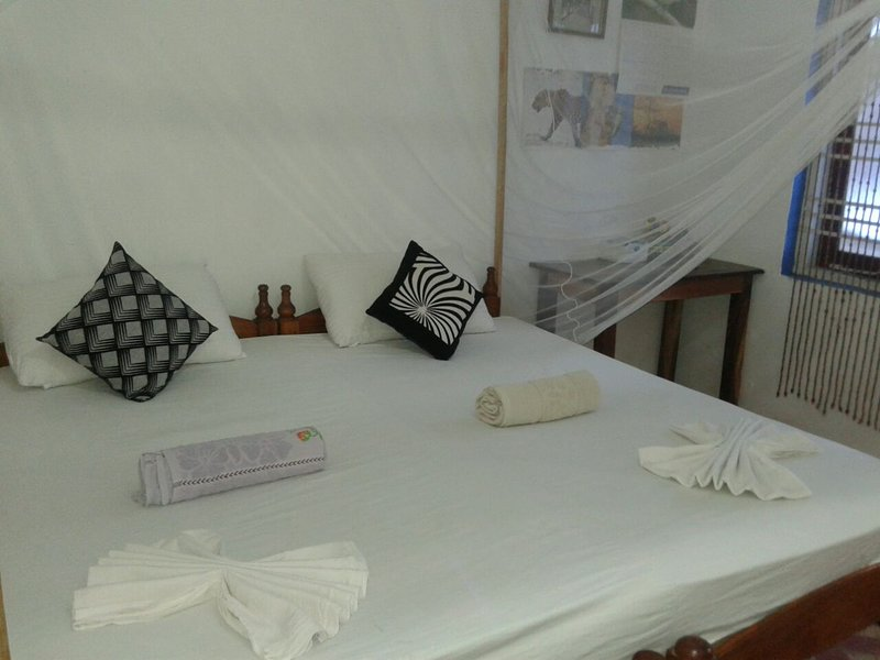 Non - AC Double With Attached Bathroom  3, vakantiewoning in Pottuvil