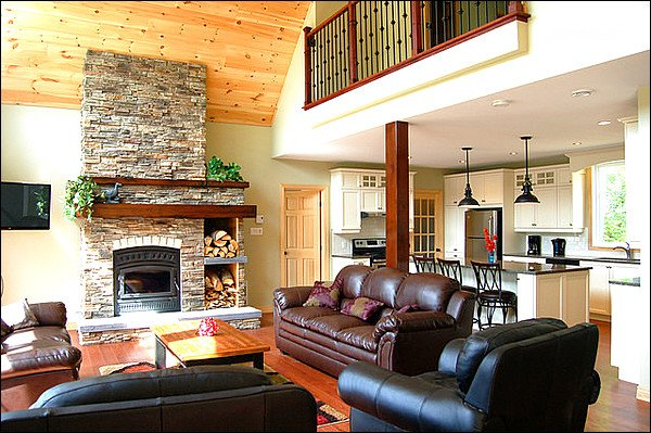 Birch Point Lakefront Chalet - (215649), holiday rental in Sainte-Lucie-des-Laurentides