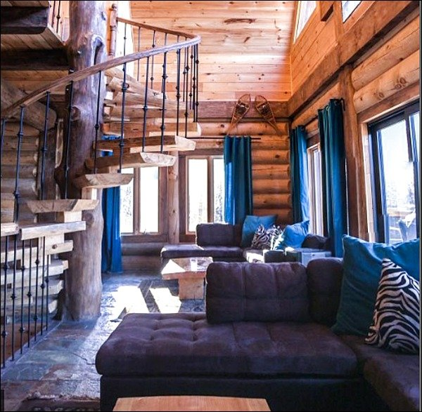 Beautiful Log Chalet with Year Round Private Hot Tub and Lake Access, vacation rental in Wentworth Nord