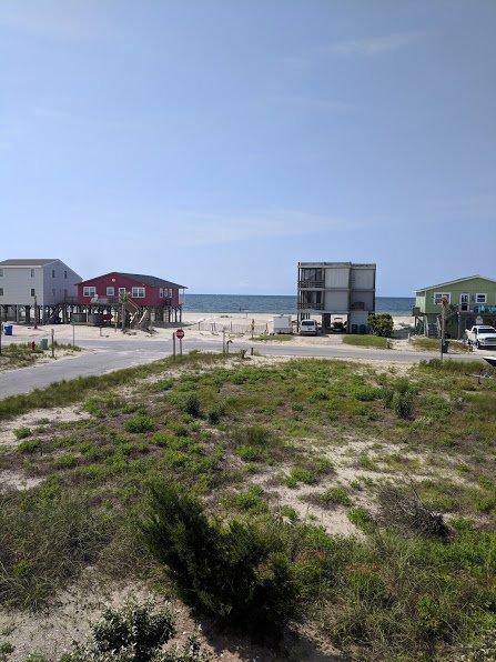 Uitzicht op de oceaan vanaf het achterdek, toegang tot het strand