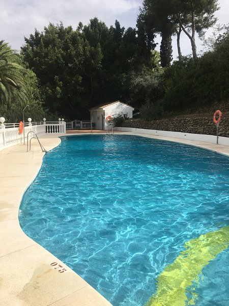 Grande piscina comunitaria - meno di 1 minuto dalla residenza