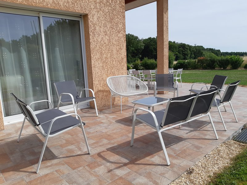 OUTSIDE garden furniture 10 places + lounge 10 seats parasol gas barbecue