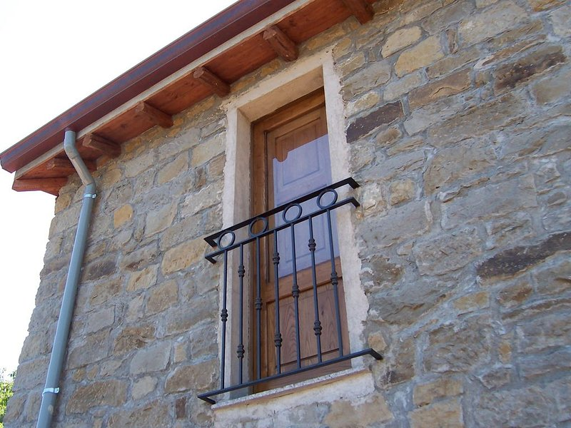 Deliziosa Casetta Romantica - NIDO, in Agriturismo 'Don Cesarino', vacation rental in Ficarra