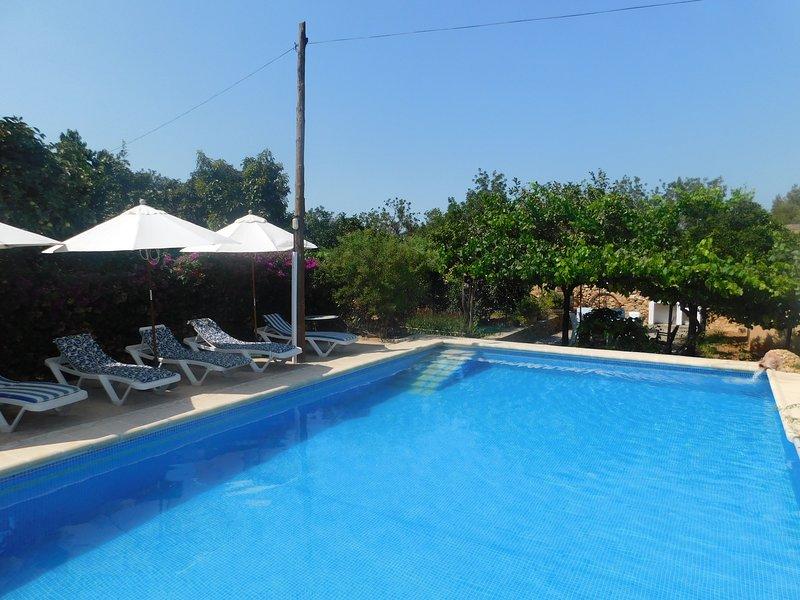VILLA RURAL IDEAL FAMILIAS Y GRUPOS, holiday rental in Cala Llonga