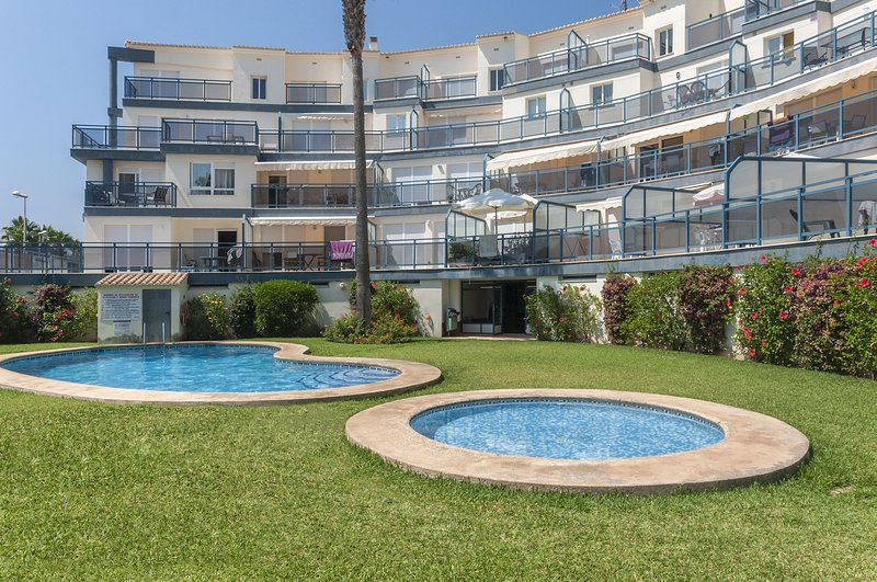 GREENBEACH - Apartment for 4 people in OLIVA NOVA, holiday rental in Oliva