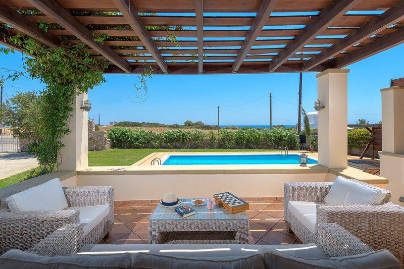 Modern Villa With Pool And Garden, holiday rental in Kattavia