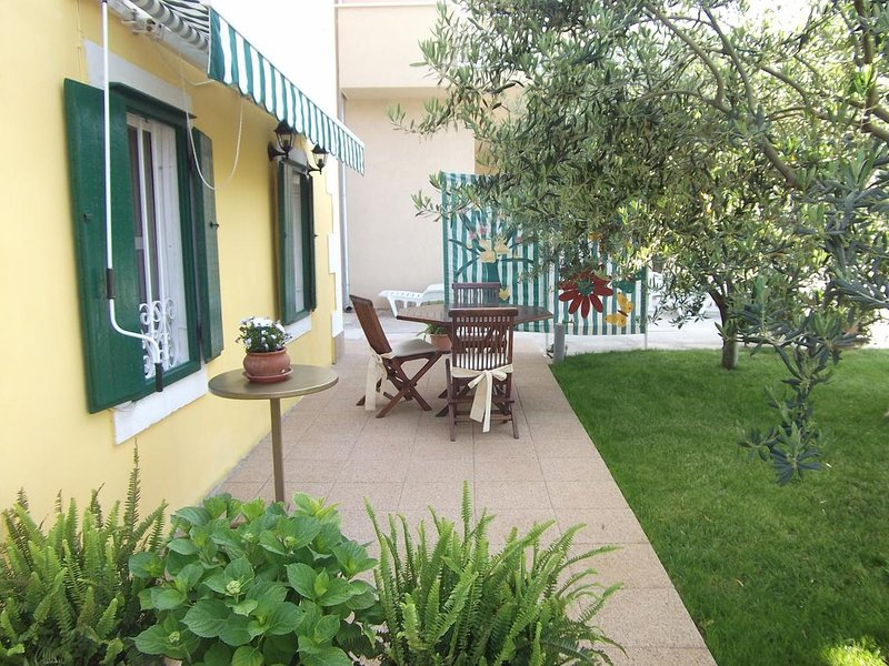 Blace Apartment Sleeps 3 - 5657151, holiday rental in Duba