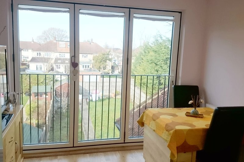 Greater London Home with a View, location de vacances à Ewell