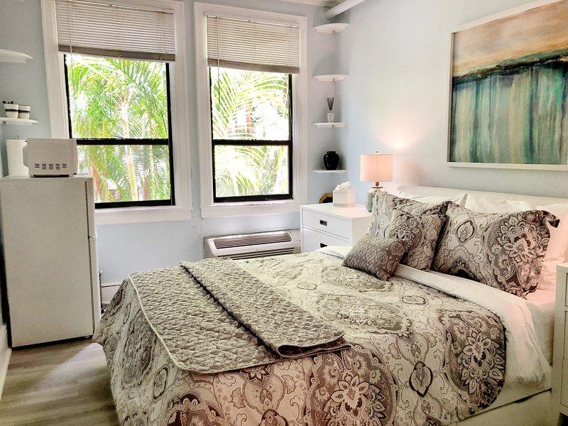 Elegant studio in Palm Beach Hotel