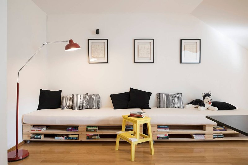 Bohemian | Central | Family apt. | FREE PARKING, holiday rental in Sticna