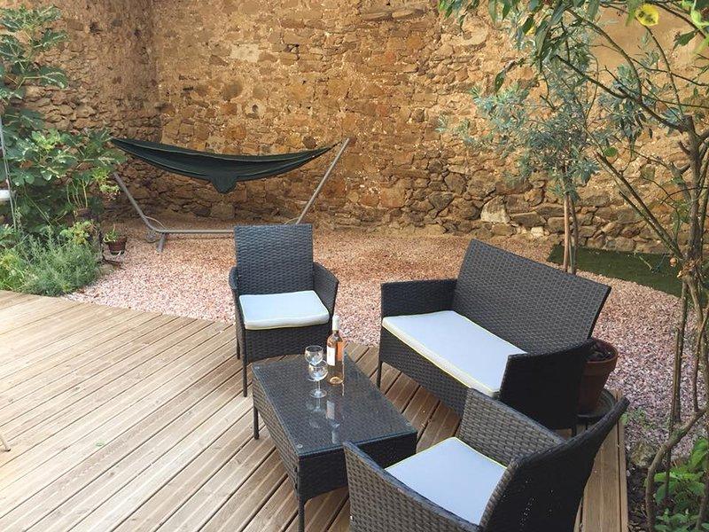Gîte Chez Dame Paulette dans les Corbières, vacation rental in Thezan-des-Corbieres