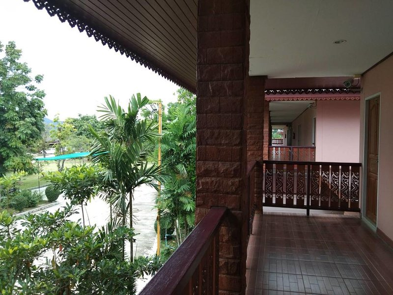 Sukhothai Grand Resort & Spa (Superior Double Room 1), holiday rental in Sukhothai Province
