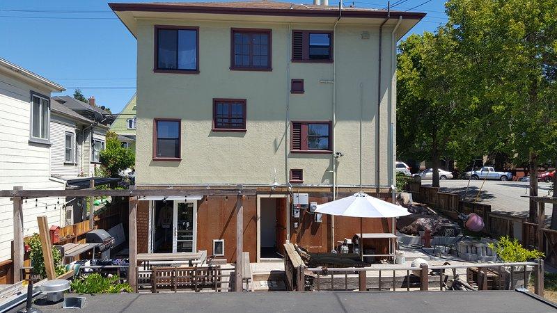450sf Studio/In-Law w/ Shipping Container Cabin, alquiler de vacaciones en Oakland