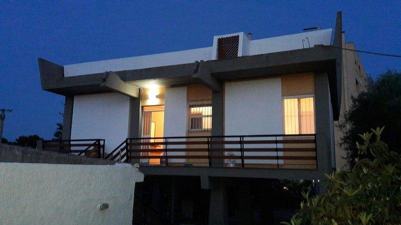LA VILLA DEL TIMONE A 50 METRI DAL MARE, holiday rental in Piccio