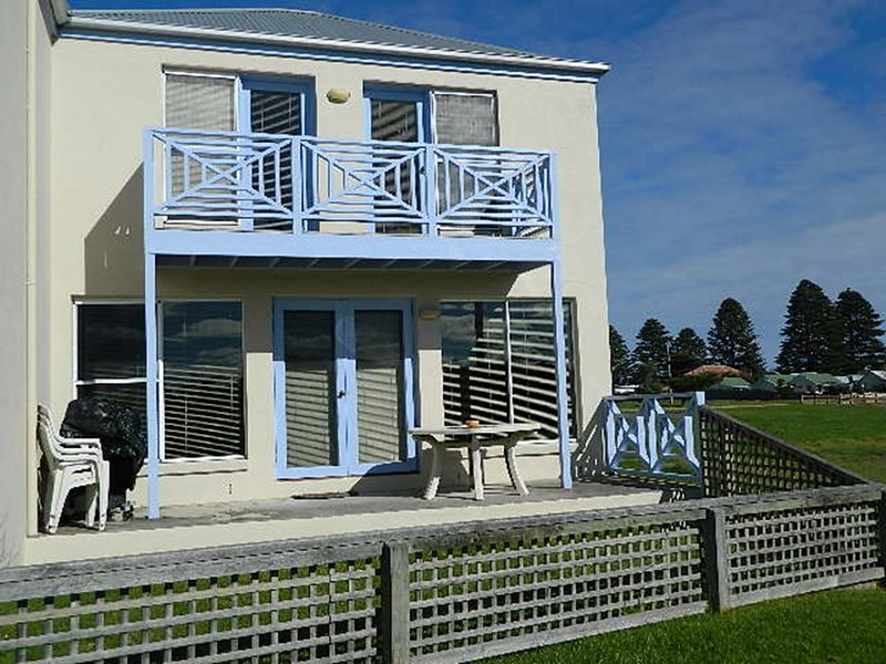 MOYNE VIEW 5 - Port Fairy, vacation rental in Port Fairy