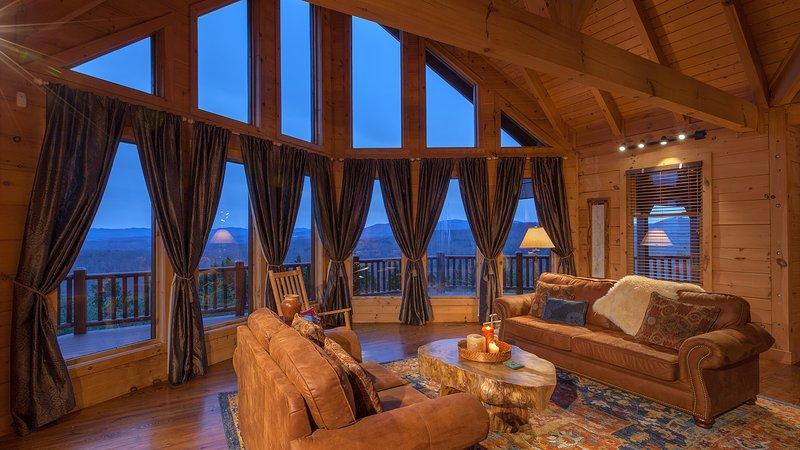 Panoramic Blue Ridge Mountain Views on Top of the World