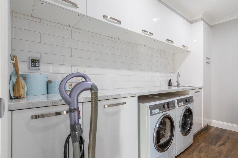 Servicio de lavandería con todas las comodidades, incluido el vapor de ropa