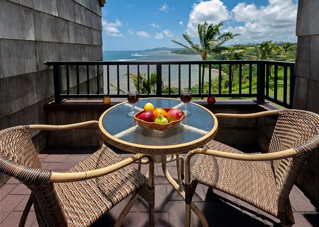 Sealodge E10-oceanfront and updated, top floor, perfect for honeymoon, vacation rental in Princeville