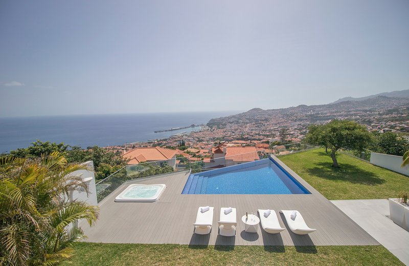 Villa Bela 8 Pax - New!, alquiler de vacaciones en Sao Goncalo